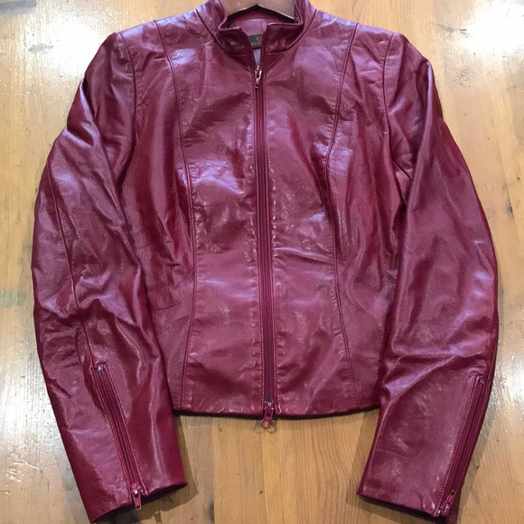 Great conditioned beautiful leather jacket.